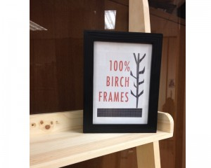black-picture-frame-stand-pop