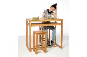 Oak-diner-with-model