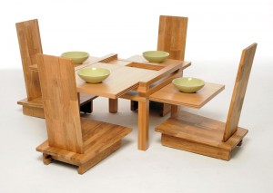 Gaijin-chair-with-table