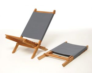 Mini-oak-deck-chair-grey-laid-flat