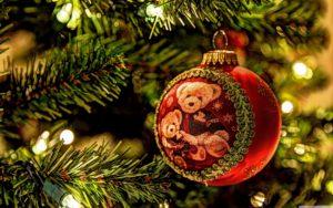 christmas_tree_decorations-wallpaper-3840x2400