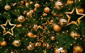 new-year-christmas-tree-balls-1