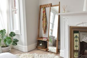 Leaning Clothes Organiser